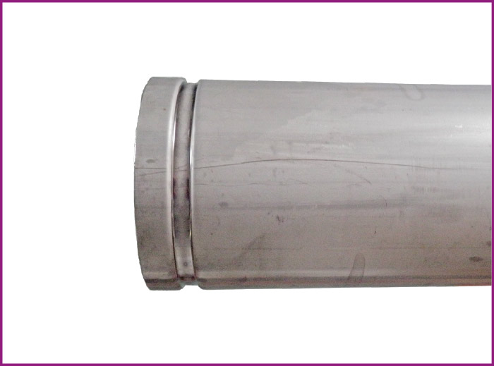 フランジ付きに比べ、ロールグルーブ加工にて軽量化することにより簡単施工が可能!